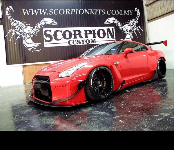 NISSAN GTR 35 R&K BODY KIT1